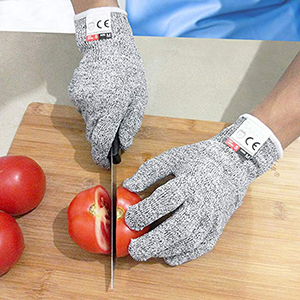 schnittfeste_handschuhe_tomaten